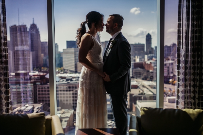 tim + amber // intimate wedding at cliff bells, detroit